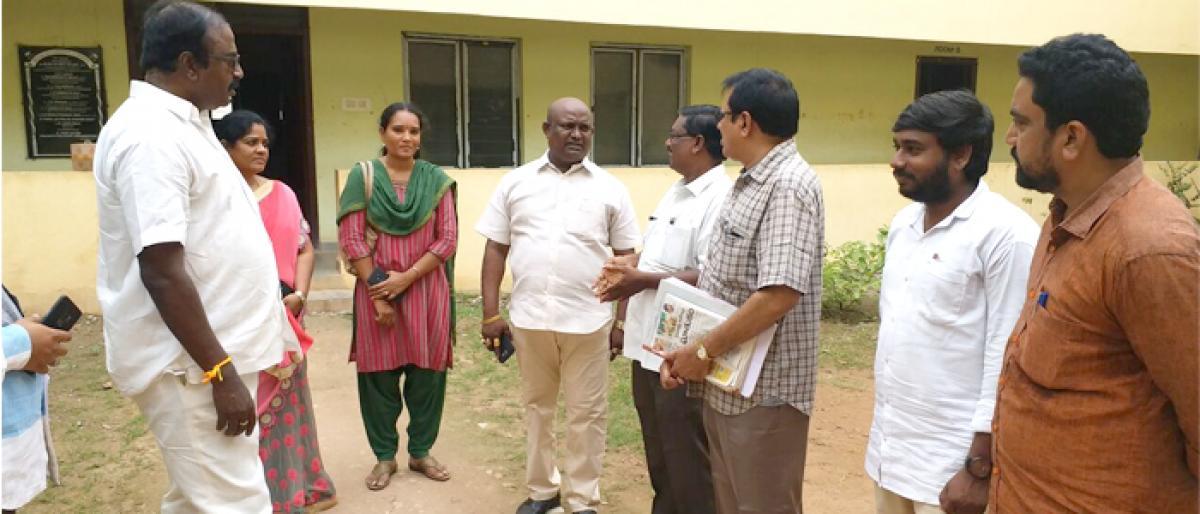 Students pay salary to SC hostel cook in Rajamahendravaram