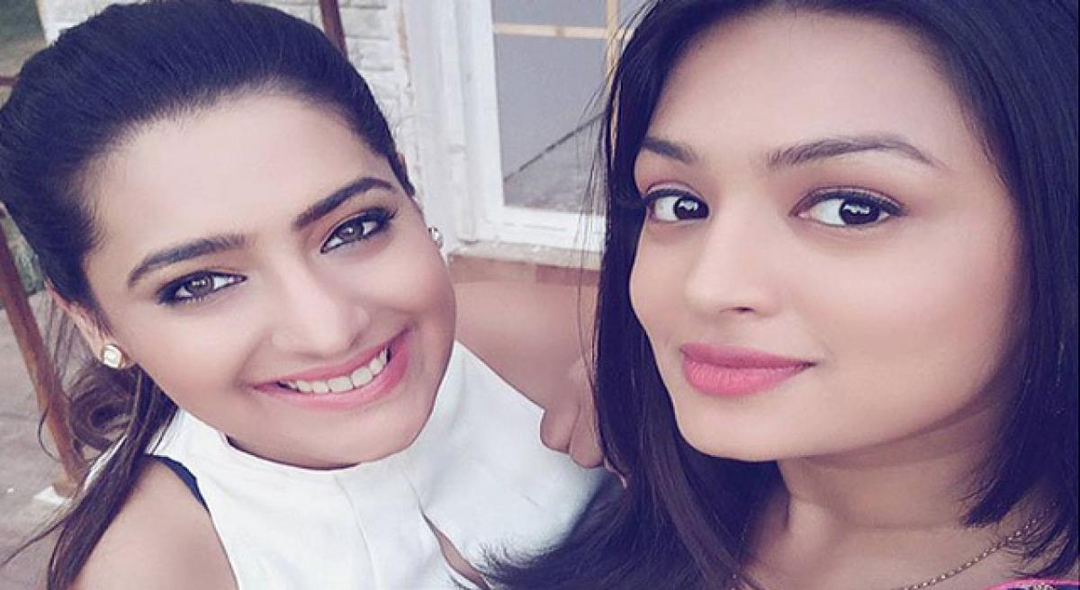 Samiksha, Shiny share sisterly bond