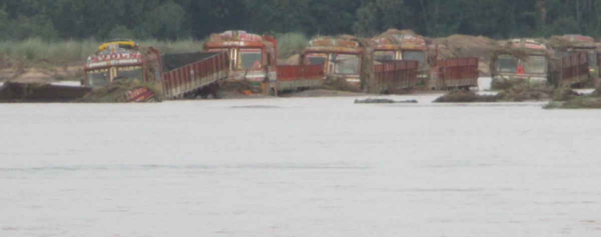 Floods expose illegal sand mining in Vamsadhara river