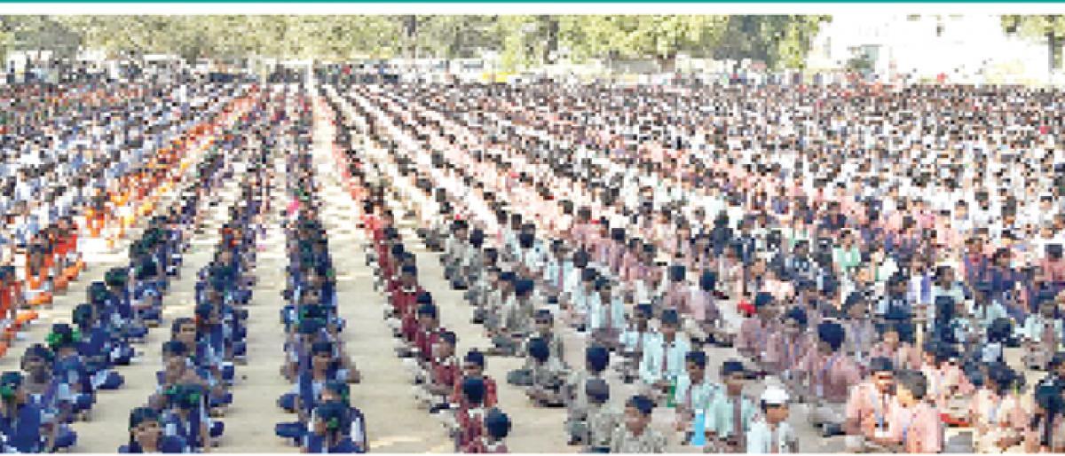 6,175 Wanaparthy students create record