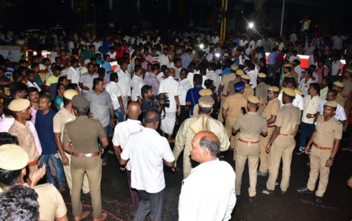 Live Updates: Family says Karunanidhi stable, thousands gather outside hospital