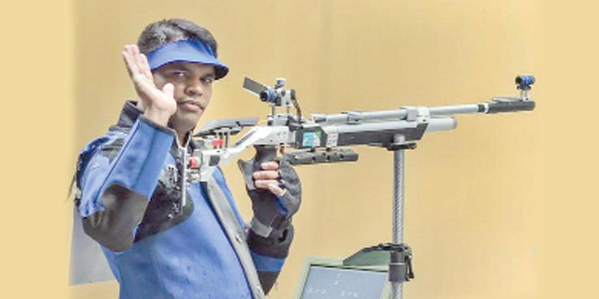 Silver medalist para-shooter's cash, ammunition stolen