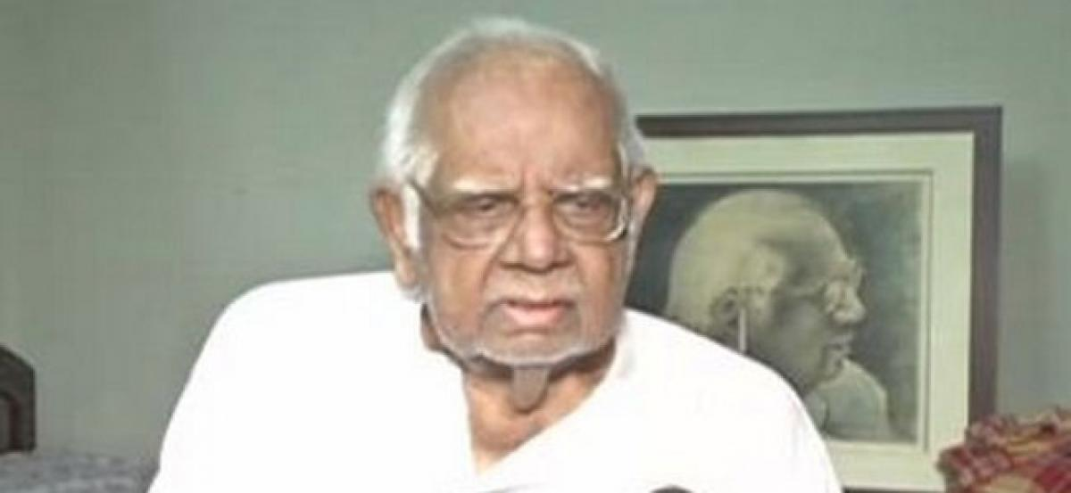 Somnath Chatterjee suffered hemorrhagic stroke: Hospital sources