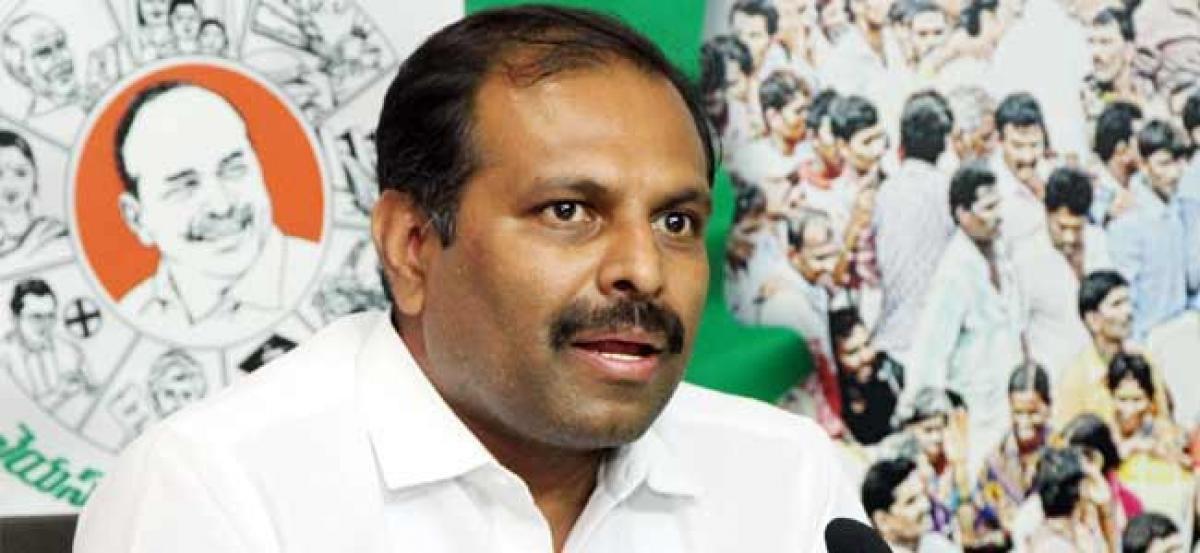 Chandrababu peddling lies on organic farming: Srikanth Reddy