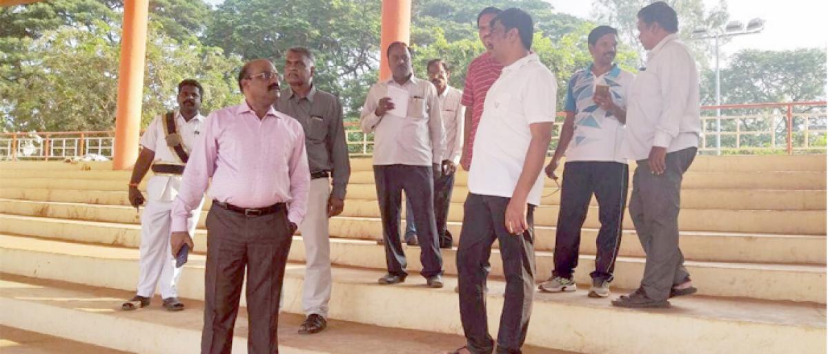 Civic chief J Nivas inspects social summit arrangements