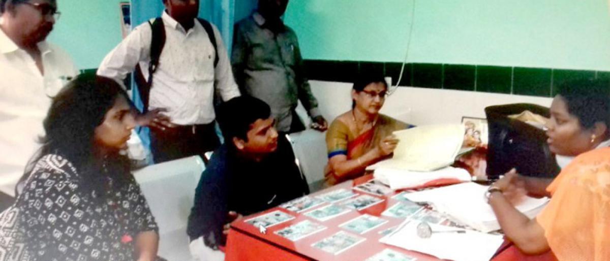 CGG officials visit Penpahad PHC, laud KCR Kits scheme