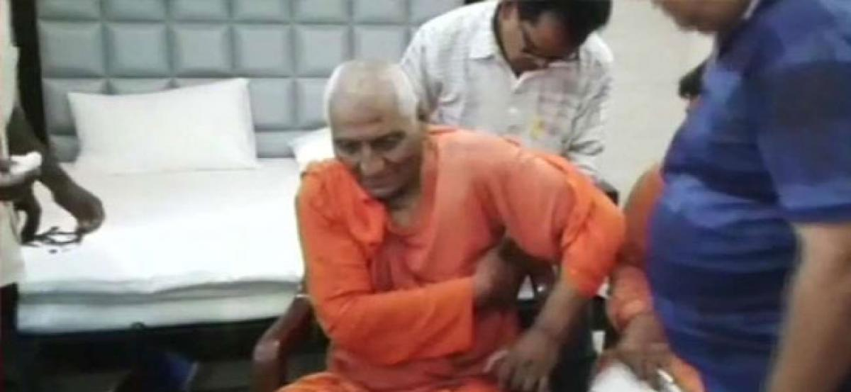 Swami Agnivesh attacked by mob in Jharkhand, BJP denies hand