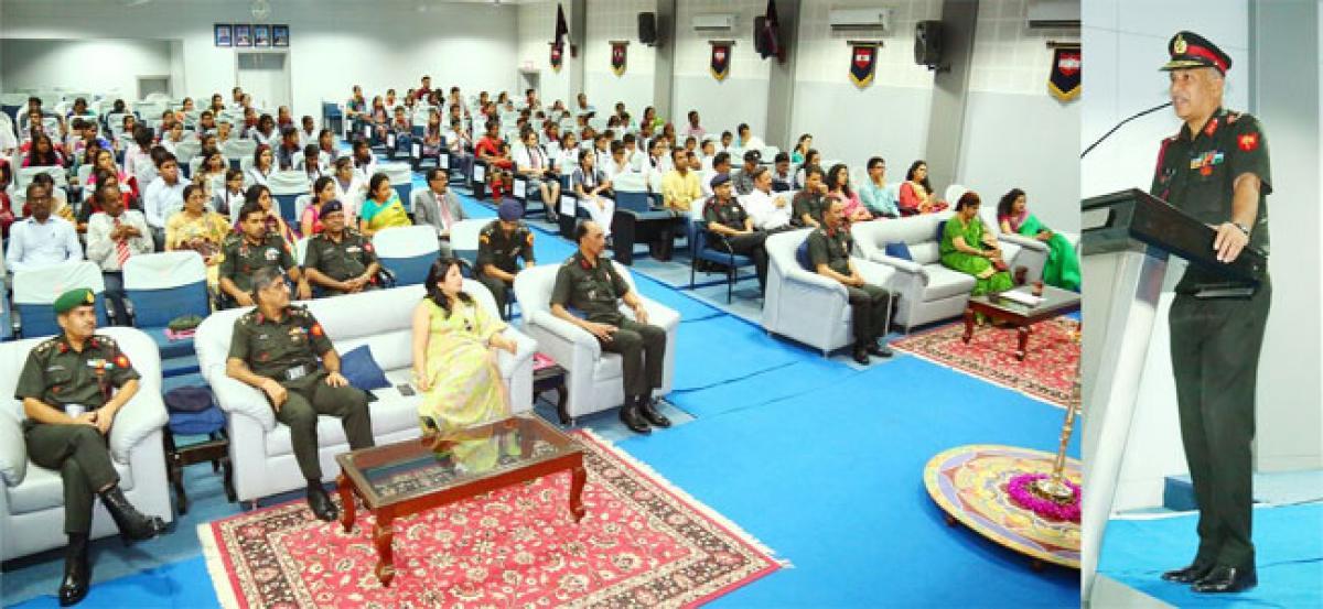 Academic achievers of TASA felicitated