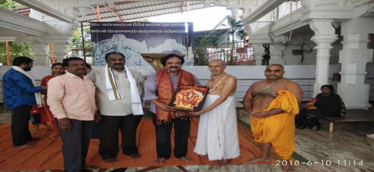 Tollywood actor visits Ananta Padmanabha Swamy temple