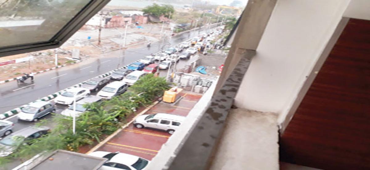 Traffic everywhere at Madhapur
