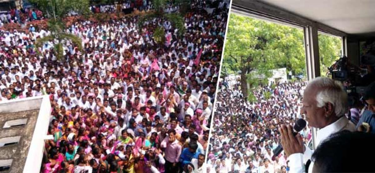 TRS activists oppose ticket to Rajaiah