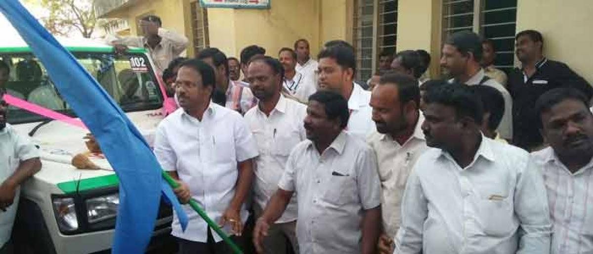 Laxma Reddy inaugurates 20 bedded hospital in Badepally