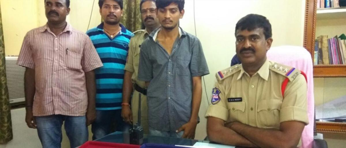One arrested for theft; gold ornaments recovered