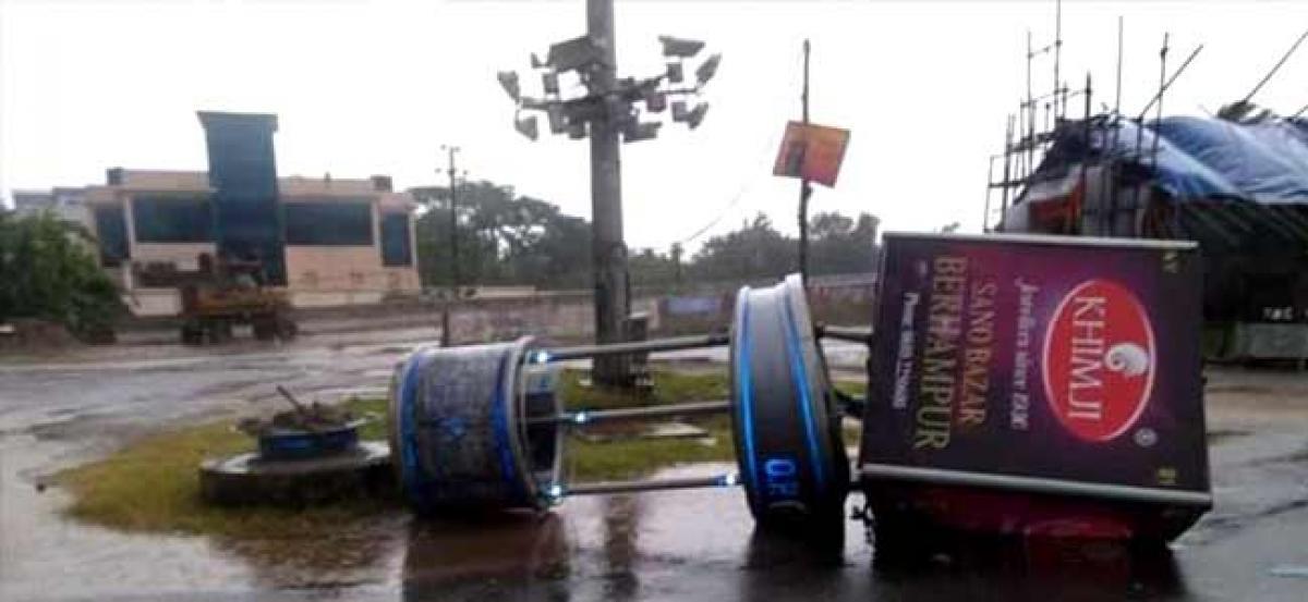 Cyclone Titli kills eight in Andhra Pradesh, causes widespread damage