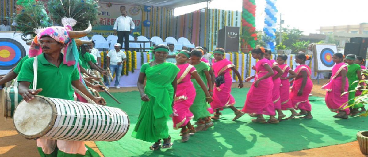 Tealangana Tribal dancers urge govt to sanction 2BHK