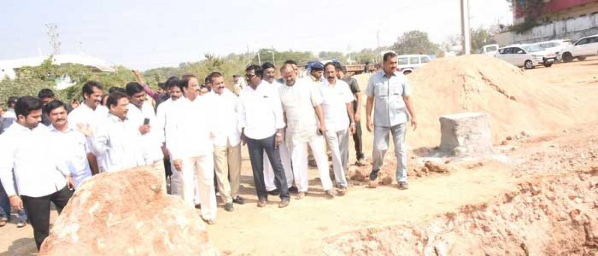 Stone ladi for Akeru Vagu bridge