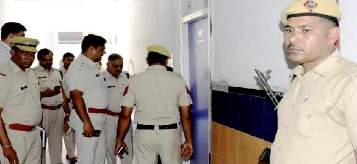 Hyderabad: UKG student molested by school employee in Tolichowki, school vandalised