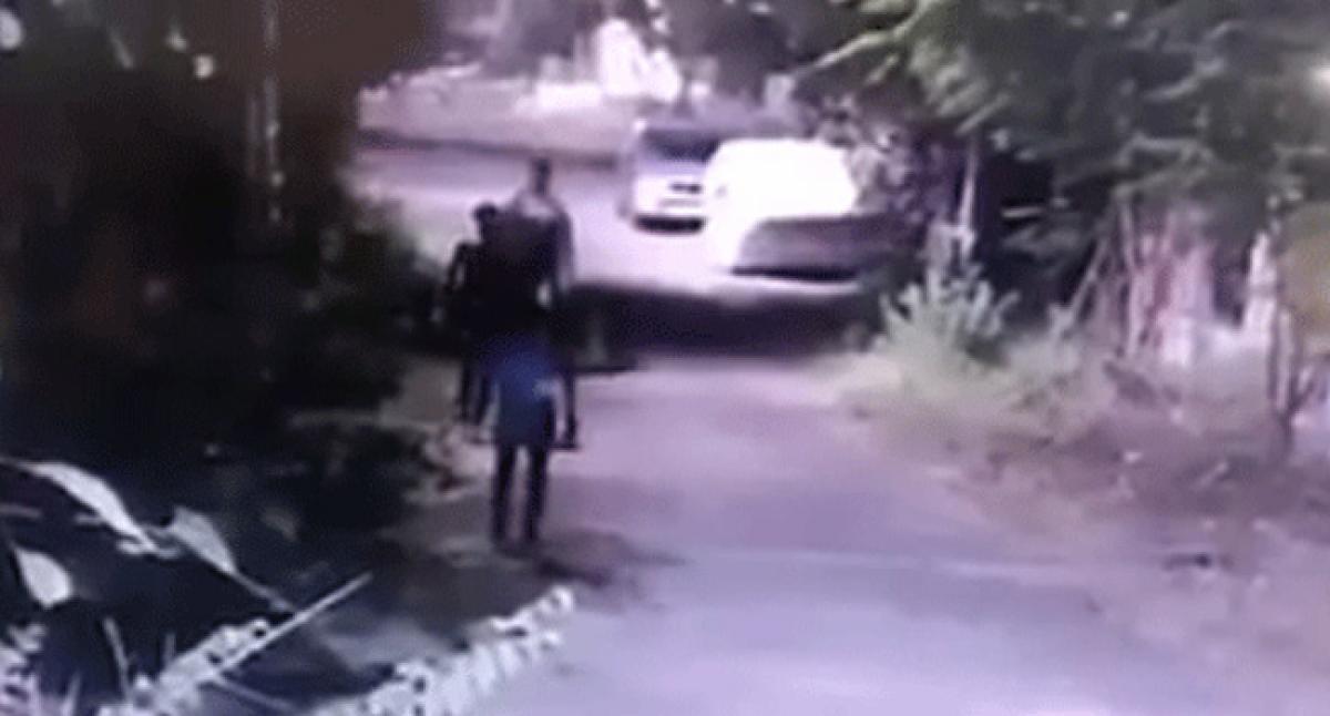 Chaddi gang theft plans foiled by public in Shamshabad