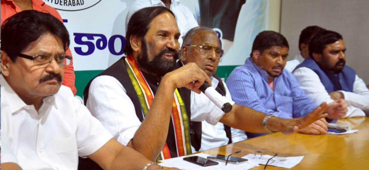 Uttam condemns TRS Govt for inaction in Nerella incident