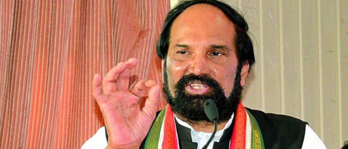 TRS Govt trying to sabotage Rahul's tour : Uttam
