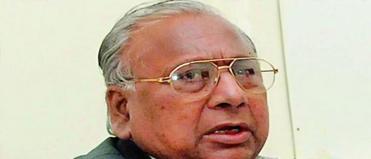 KCR ignoring BC welfare, fumes V Hanumantha Rao