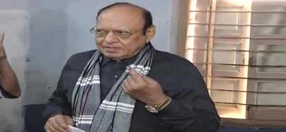 Vagehla attacks BJP, Congress, calls them chor