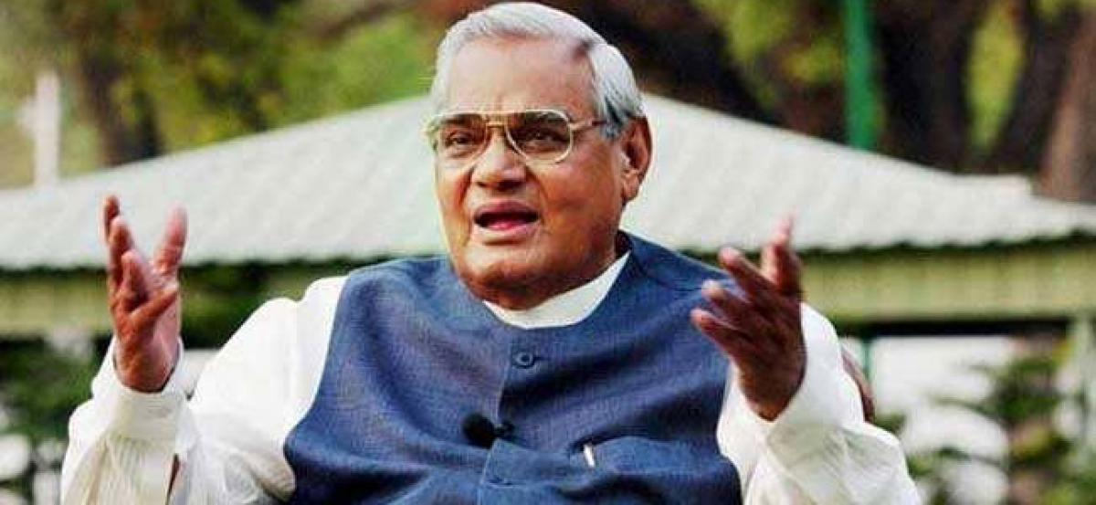 Pak govt, leaders pay tribute to Vajpayee; say he contributed for