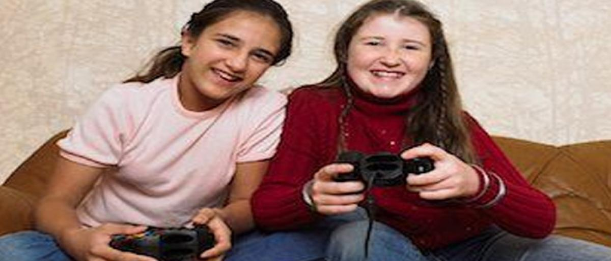 Girls who play video games more likely to pursue science degrees
