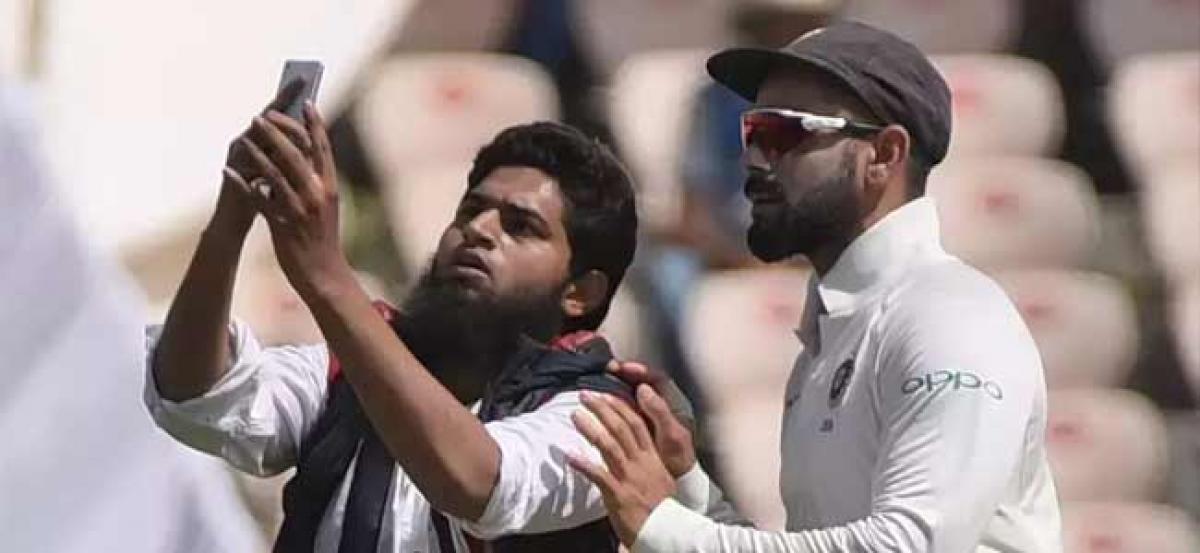 Kadapa youth booked for hugging Virat Kohli in Hyderabad