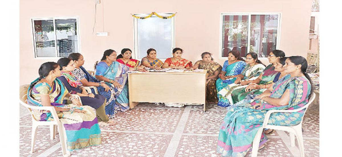 TRS women leaders slam opposition for misguiding people