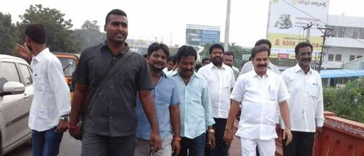 MLA thanks KCR for ensuring funds for second RoB at Fatima Nagar