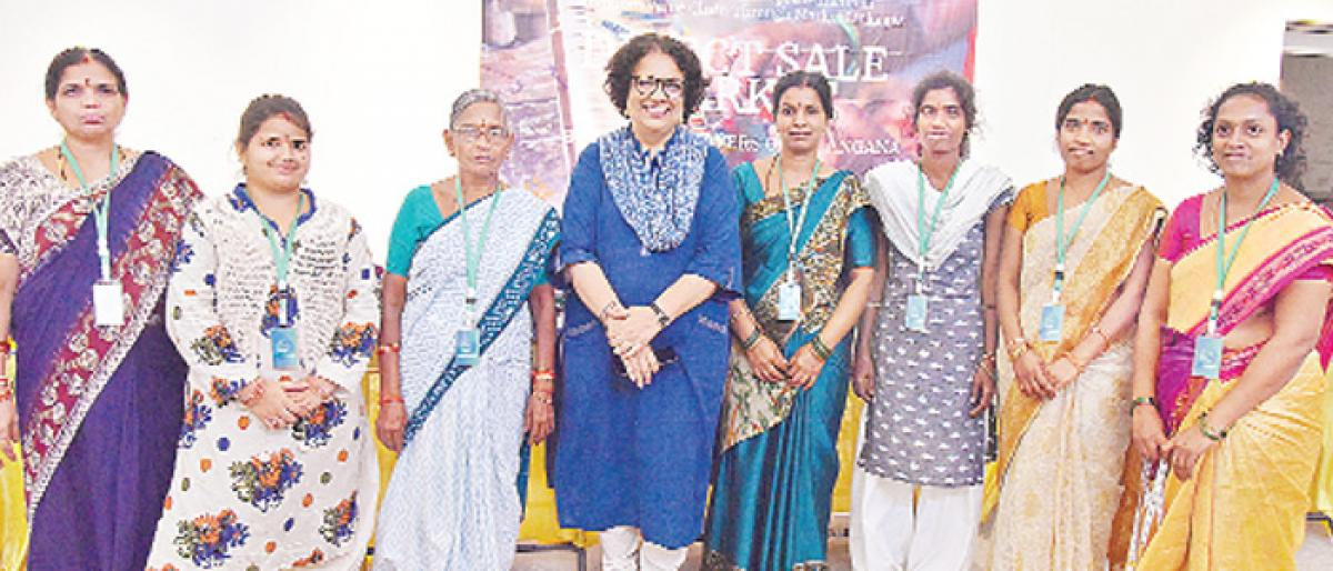 Weavers explore direct market option