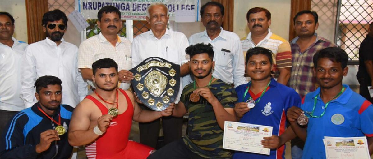 Nizam College, Anwar ul Uloom wrestlers top