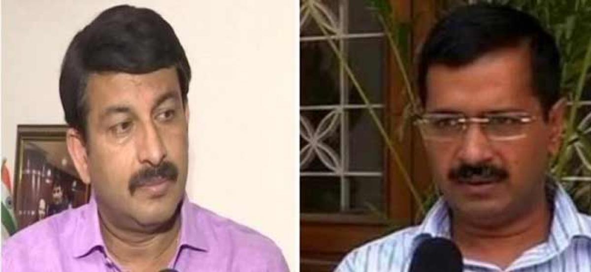Signature Bridge scuffle: Kejriwal named as accused in Manoj Tiwaris FIR