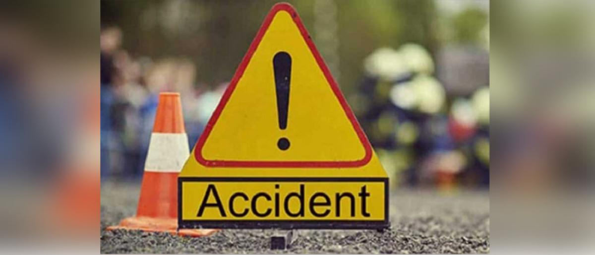 One died and four injured in two accidents in Prakasam