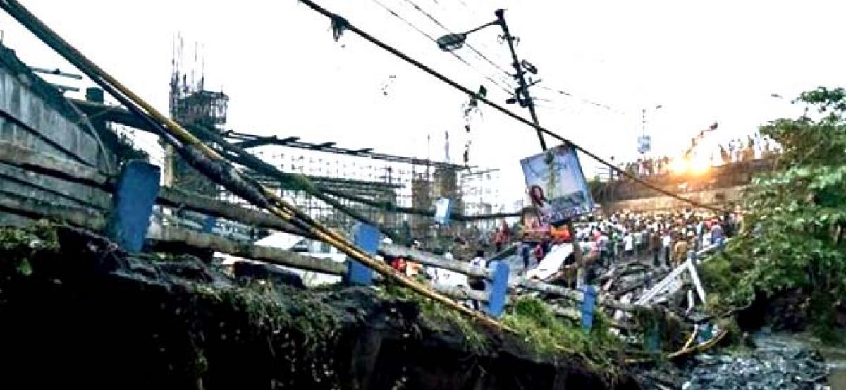 Death toll rises to 3 in Kolkata's Majerhat bridge collapse