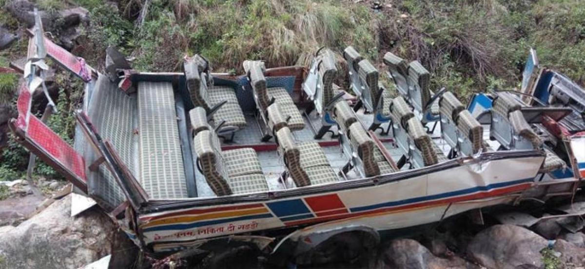 Bus accident claims 20 lives, U
