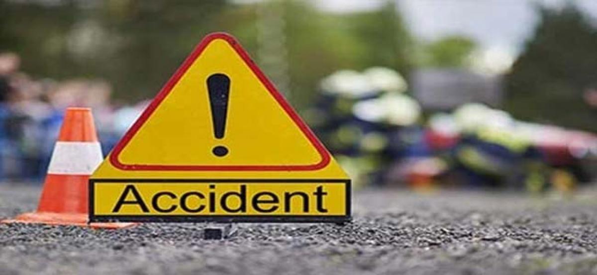 Bus overturns in Punjab, 12 injured