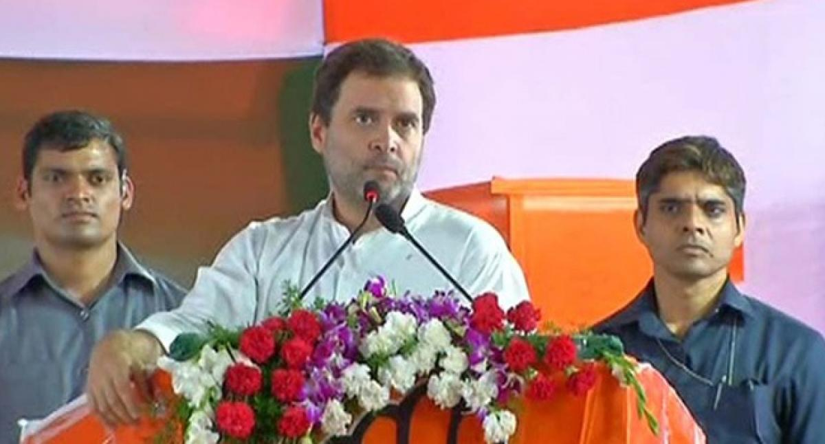 Rahul challenges PM on waiving off farmers loan in Ktaka