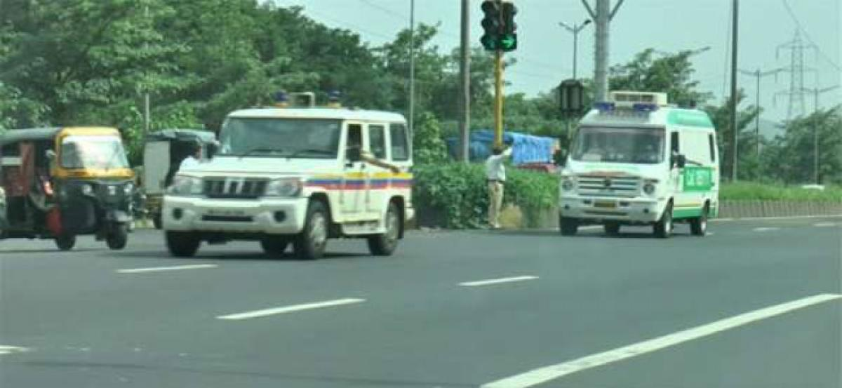 Hyderabad Traffic police provide green channel for transporting heart