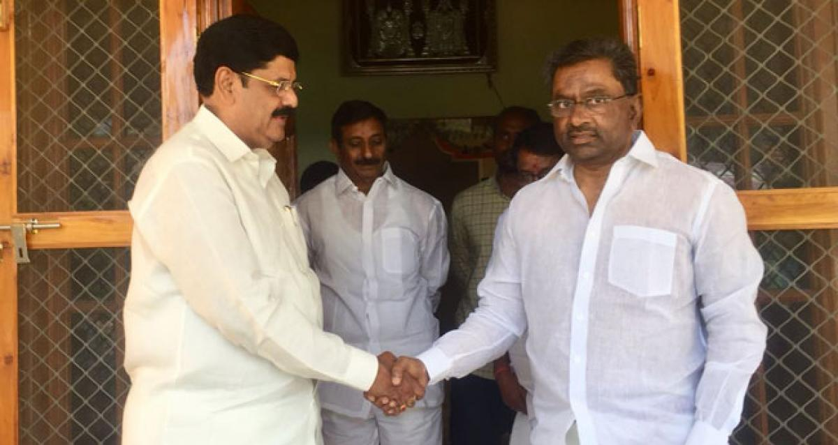 DL set to join YSRCP soon