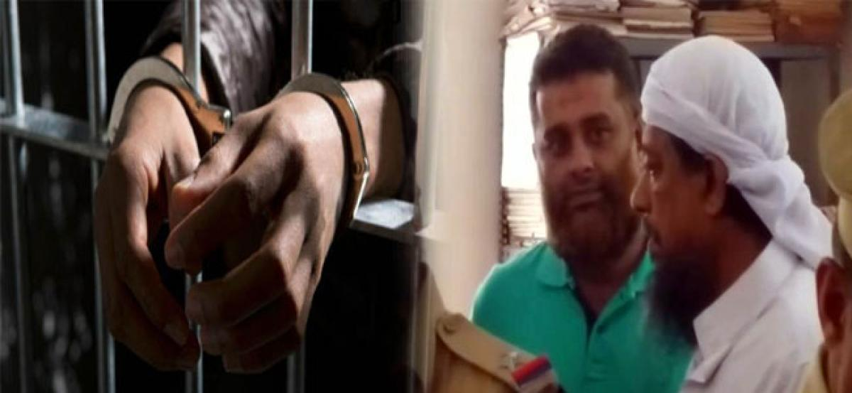 Kannur: Two arrested for suspected links with IS