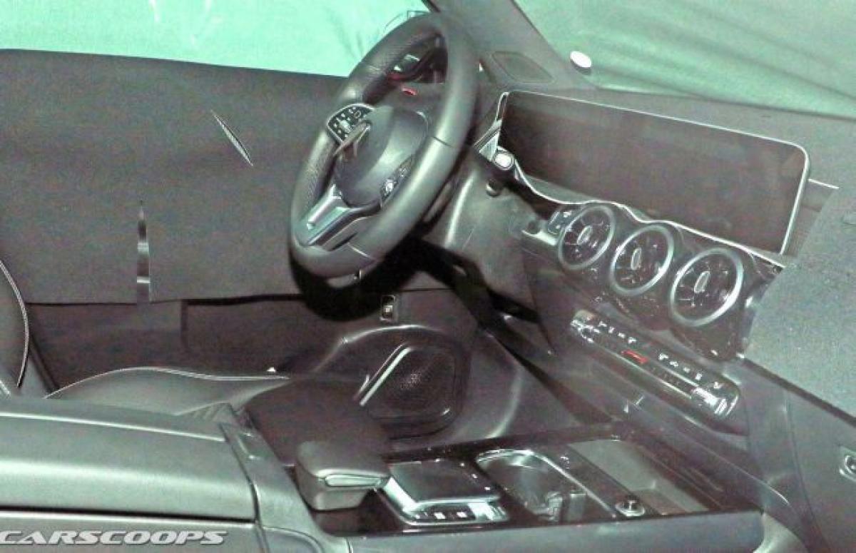 Mercedes-Benz GLB Interior Spied