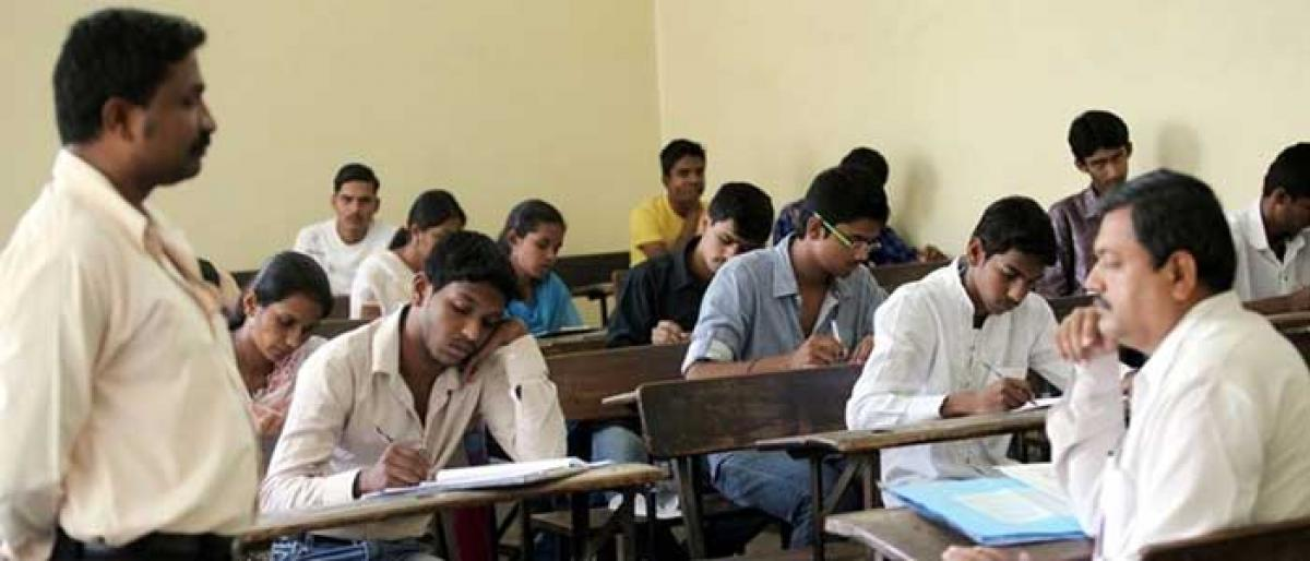 New patterns too smart?: 5.5 lakh students fail BSEB's inter compartment examination