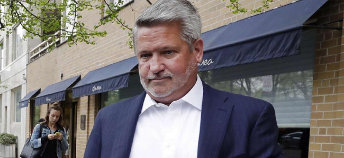 Trump names former Fox executive Bill Shine to communications job