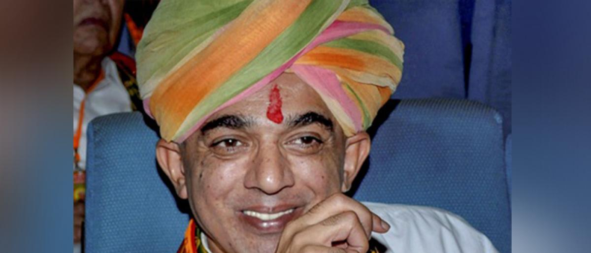 Manvendra all set to join Congress on Wednesday