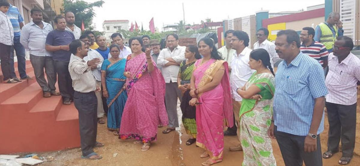 Lakshmi tours Police Colony, Maruthi Nagar