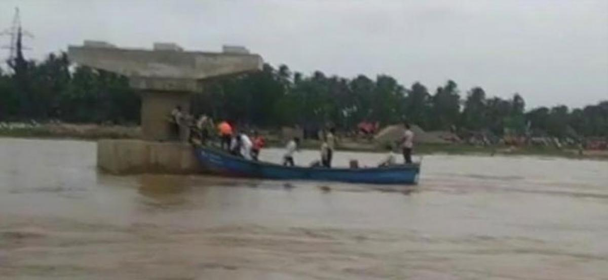 Andhra boat capsize: 7 missing, winds, rain hindering rescue operations