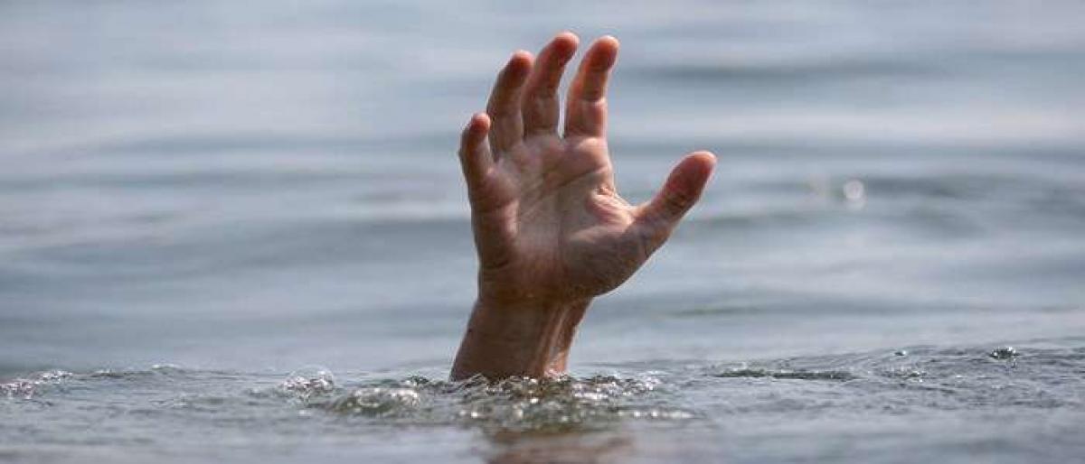 Mans body found floating in Delhi pond