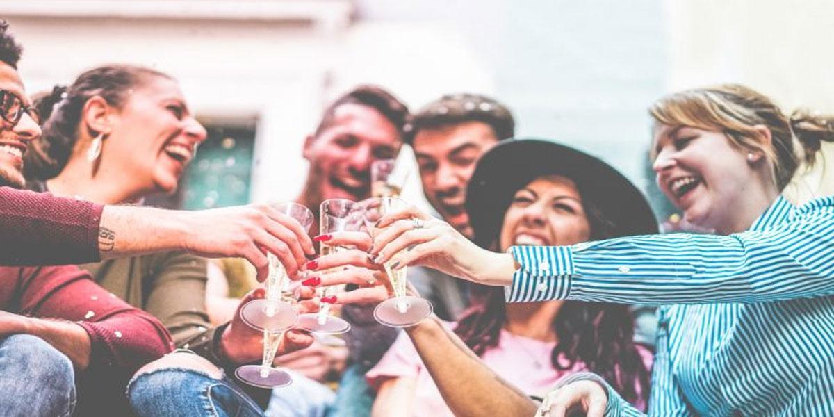 College binge drinkers posting on social media while drunk: Study